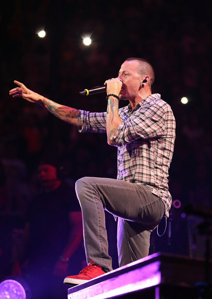 More Pics of Chester Bennington Button Down Shirt (1 of 25) - Chester Bennington Lookbook - StyleBistro