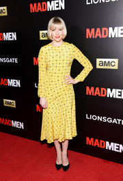 Helene York attended the 'Mad Men' special screening wearing a long-sleeve yellow grid-print dress.