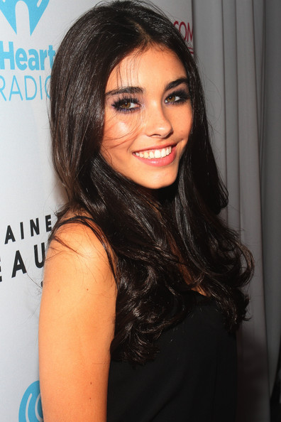 Madison Beer Long Center Part [hair,face,hairstyle,eyebrow,black hair,beauty,lip,chin,long hair,forehead,madison beer,fontainebleau,bleaulive - offstage,fontainebleau miami beach,florida,bleaulive,visit florida,iheartradio ultimate pool party]