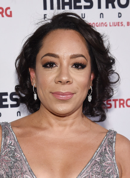 Selenis Leyva opted for a curly bob when she attended the Maestro Cares Gala.