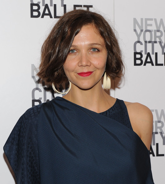 Maggie Gyllenhaal Bob [2010 dance with the dancers benefit,2010 dance with the dancers,hair,face,shoulder,hairstyle,premiere,neck,joint,lip,dress,brown hair,maggie gyllenhaal,lincoln center,new york city,david h. koch theater,new york city ballet]