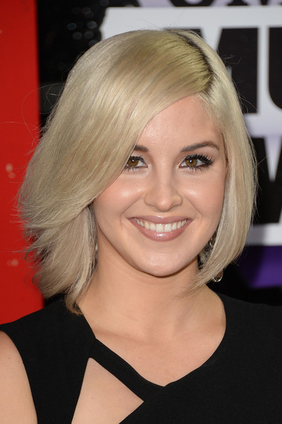 Maggie Rose Bob [arrivals,maggie rose,cmt music awards,hair,face,hairstyle,blond,eyebrow,chin,bob cut,beauty,layered hair,hair coloring,nashville,tennessee,bridgestone arena]