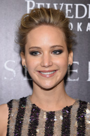 Jennifer Lawrence attended the 'Serena' screening rocking a heavy application of black and neutral eyeshadow.