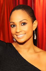 Alesha Dixon pulled her hair back in a tight ponytail for the Ultimate Girls' Night Out.