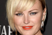 Malin Akerman Bob