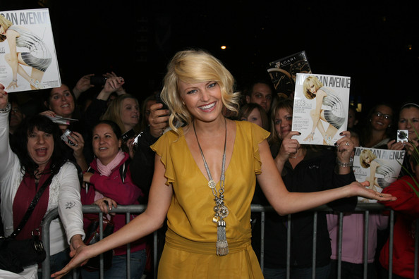 Malin Akerman Oversized Pendant Necklace