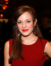 Laura Osnes had ultra shiny cherry red lips at the opening night of 'Man and Boy' on Broadway. She paired her vibrant pout perfectly with a lovely red sheath dress.