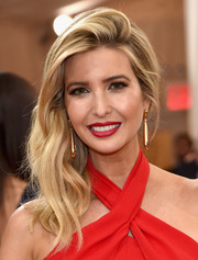Ivanka Trump looked super glam with her side-swept waves at the Met Gala.