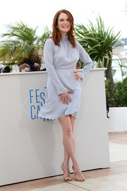 Julianne Moore chose a simple yet classy light-blue turtleneck dress by Nina Ricci for the 'Map to the Stars' photocall.