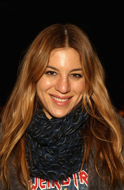 Dani Stahl opted for a casual center-parted 'do with subtle waves when she attended the Mara Hoffman fashion show.