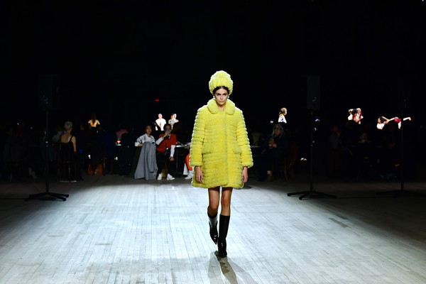 More Pics of Kaia Gerber Knee High Boots (1 of 10) - Kaia Gerber Lookbook - StyleBistro [marc jacobs fall 2020 runway show,runway,fashion show,fashion,fashion model,fashion design,yellow,public event,event,human,footwear,kaia gerber,marc jacobs,runway,new york city,runway show,new york fashion week,gigi hadid,runway,new york fashion week,fashion show,fashion,fashion week,model,paris fashion week,the fashion awards,celebrity]