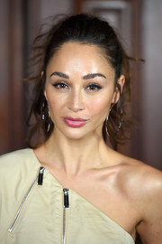 Cara Santana looked gorgeous wearing this teased ponytail at the Marc Jacobs Spring 2018 show.