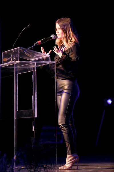 Maren Morris Leather Pants [performance,entertainment,performing arts,singing,singer,music,talent show,music artist,event,microphone stand,maren morris,nashville,tennessee,marathon music works,onsite foundation 2018 inspire event,the onsite foundation,event]
