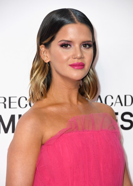 Maren Morris Medium Wavy Cut [hair,hairstyle,face,shoulder,lip,eyebrow,pink,beauty,chin,blond,musicares person of the year,los angeles convention center,california,dolly parton,arrivals,maren morris]