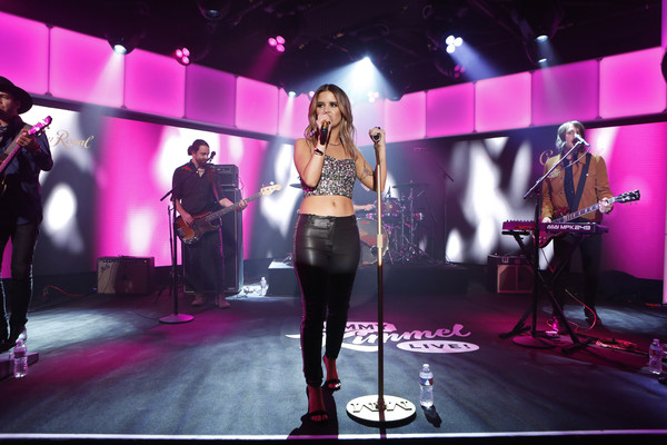 Maren Morris Crop Top [jimmy kimmel live,season,performance,entertainment,music artist,event,performing arts,stage,pink,public event,singing,music,maren morris,jimmy kimmel,guests,comedians,lineup,acts,abc,weeknight]