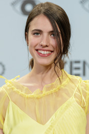 Margaret Qualley went old school with this loose ponytail at the Kenzo summer party.