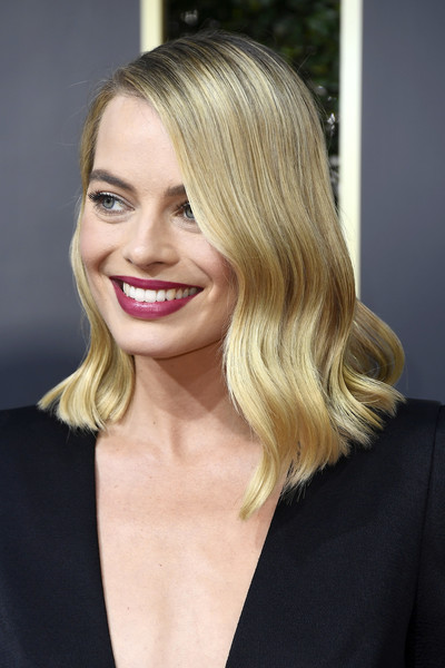Margot Robbie Berry Lipstick