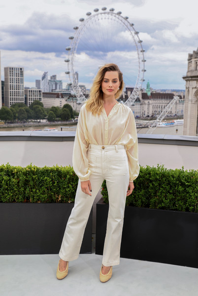 Margot Robbie High-Waisted Pants [london photocall,white,clothing,fashion,street fashion,architecture,dress,footwear,photo shoot,photography,outerwear,margot robbie,once upon a time...in hollywood,london,england,the corinthia hotel,once upon a time in hollywood photocall,margot robbie,once upon a time in hollywood,film,actor,london,movie: once upon a time...in hollywood,model,fashion,celebrity,image]