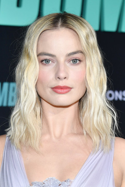 Margot Robbie Medium Wavy Cut [bombshell,hair,face,blond,hairstyle,eyebrow,chin,lip,shoulder,beauty,long hair,red carpet,margot robbie,screening,california,regency village theatre,special screening of liongate,westwood,margot robbie,bombshell,92nd academy awards,regency village theatre,actor,photograph,image,stock photography,livingly media,academy award for best actress in a supporting role]