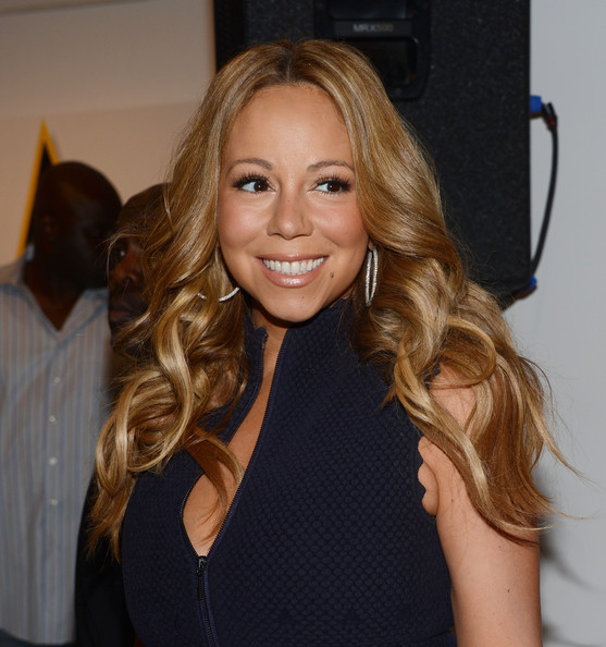 Mariah+Carey+Makeup+Nude+Lipstick+TdJr3rGICDZl Mom to be Mariah Carey, who's expecting twins any day now, bares her belly ...