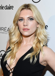 Katheryn Winnick framed her face with this ultra-glam wavy 'do for Marie Claire's Image Maker Awards.