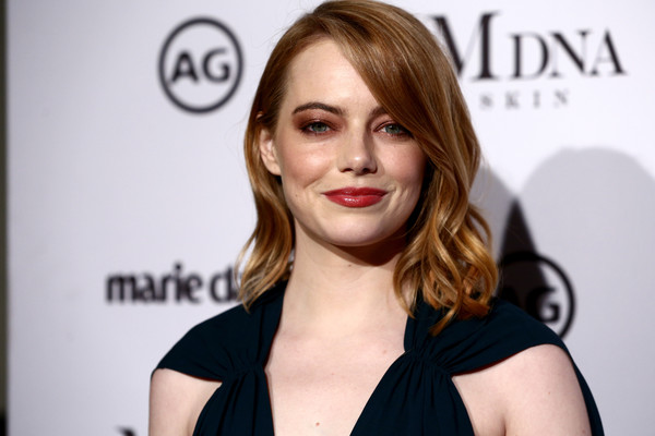 Emma Stone looked sweet with her shoulder-length waves at the 2018 Image Makers Awards.