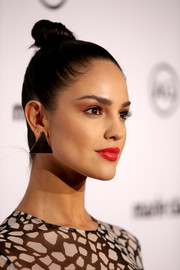 Eiza Gonzalez sported a super-sleek top knot at the 2018 Image Makers Awards.