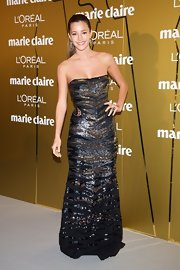Malena Costa stepped out at the Marie Claire de la Moda Awards 2012 wearing a sequined strapless dress.