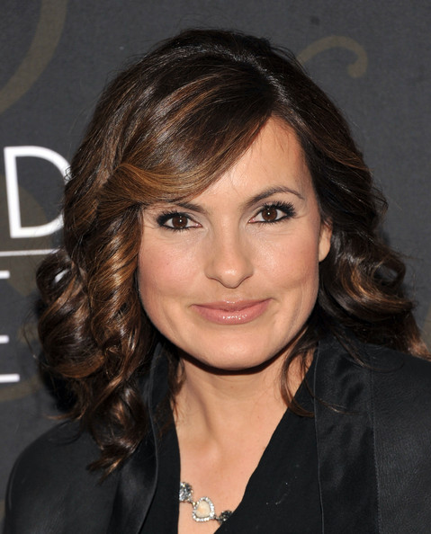 Mariska Hargitay Medium Curls