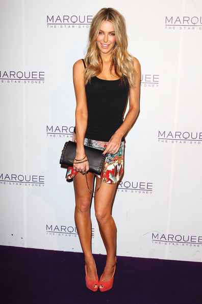 More Pics of Jennifer Hawkins Mini Skirt (1 of 8) - Mini Skirt Lookbook - StyleBistro
