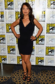 A classic LBD kept Ming-Na's Comic-Con look sleek and sophisticated.