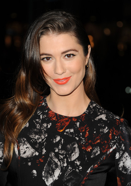 Mary Elizabeth Winstead Bright Lipstick