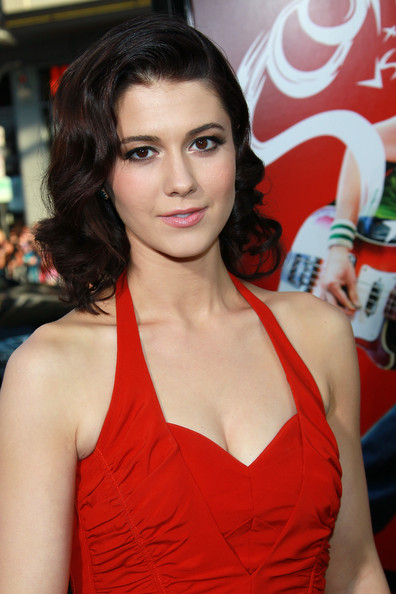 Mary Elizabeth Winstead Medium Curls