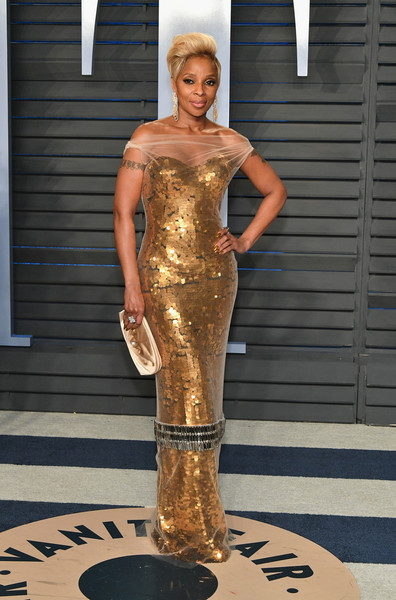Mary J. Blige Satin Clutch [oscar party,vanity fair,fashion model,dress,clothing,fashion,shoulder,blond,cocktail dress,haute couture,model,joint,beverly hills,california,wallis annenberg center for the performing arts,radhika jones - arrivals,radhika jones,mary j. blige]