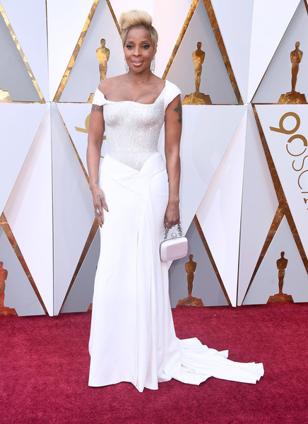 Mary J. Blige Off-the-Shoulder Dress [gown,flooring,wedding dress,dress,carpet,beauty,red carpet,bridal clothing,lady,shoulder,arrivals,mary j. blige,academy awards,hollywood highland center,california,90th annual academy awards]