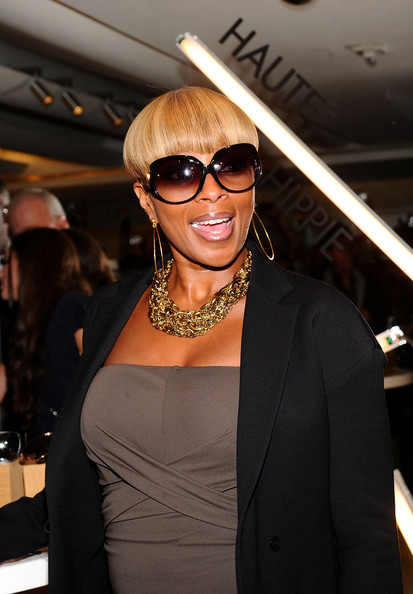 Mary J. Blige Round Sunglasses