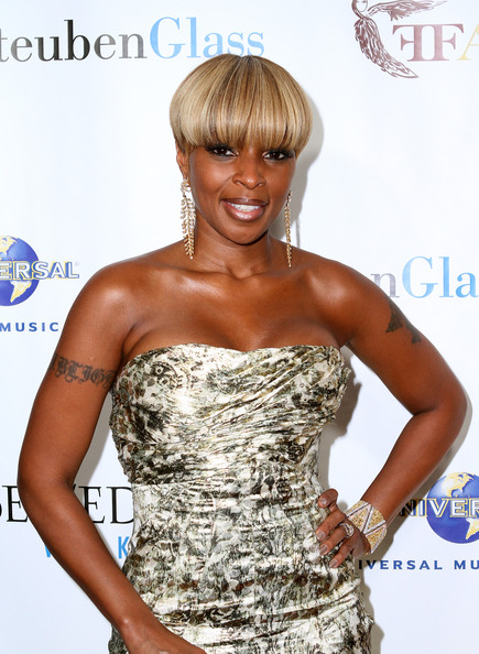 Mary J. Blige Bowl Cut