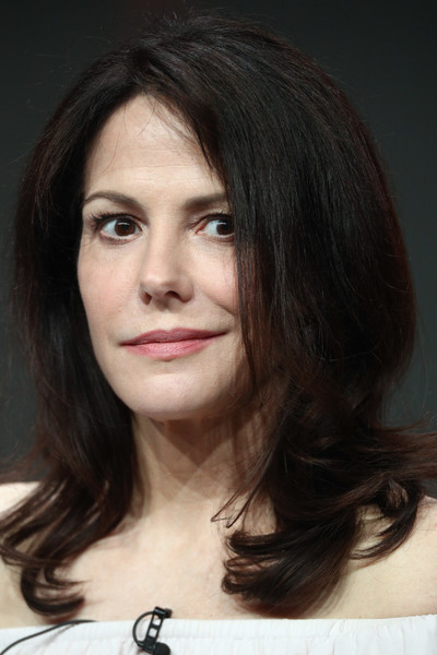 Mary-Louise Parker Medium Layered Cut