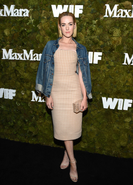 Jena Malone layered a denim jacket over her dress for a more laid-back feel.