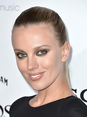 Bar Paly may have opted for a smoky eye, but the star kept it simple with a classic nude lip.