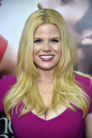 Megan Hilty attended the world premiere of 'Me Before You' sporting the most perfect layered cut!