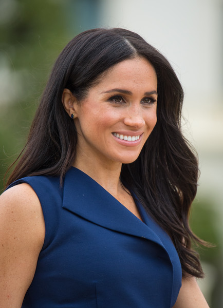 Meghan Markle Long Wavy Cut [beauty,human hair color,lady,smile,shoulder,girl,photography,photo shoot,hairstyle,black hair,meghan markle,harry,sussex,australia,duchess,cities,duke,duke and duchess of sussex visit,reception,tour,meghan duchess of sussex,wedding of prince harry and meghan markle,duke of sussex,mountbatten-windsor,house of windsor,duke,photograph,royal tours of canada by the canadian royal family,image]