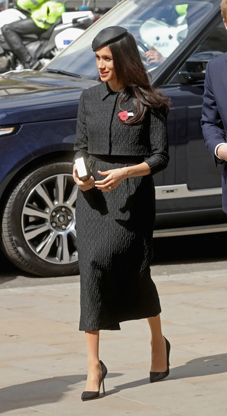 Meghan Markle Skirt Suit [clothing,street fashion,fashion,leg,snapshot,lady,footwear,dress,sunglasses,outerwear,services,commemoration,conflicts,casualties,anzac day,anniversary,start,harry,meghan markle,veterans]