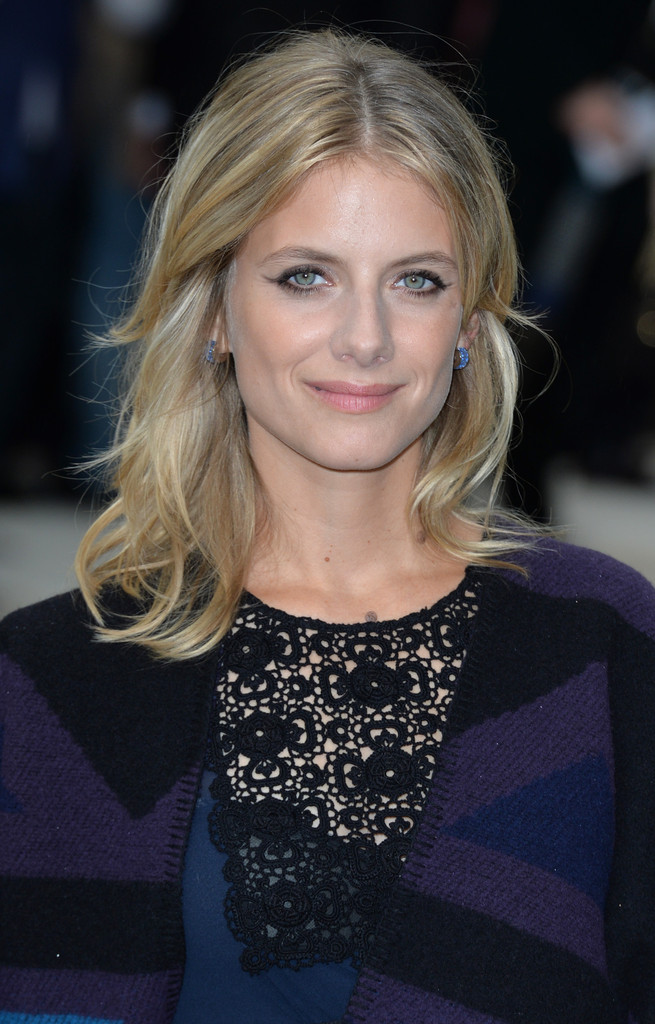Melanie Laurent Medium Wavy Cut Hair Lookbook Stylebistro
