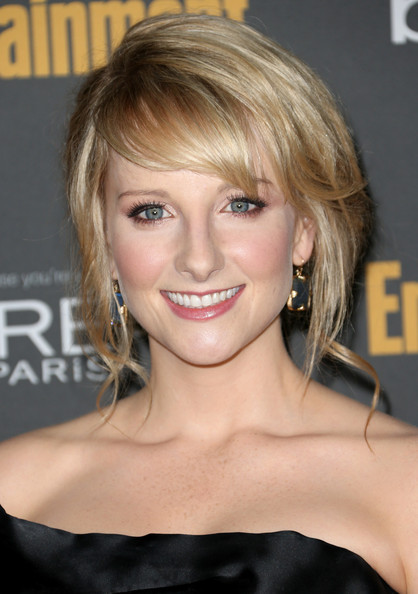 Melissa Rauch Bobby Pinned Updo
