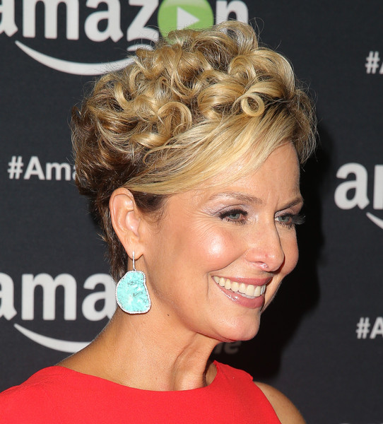 Melora Hardin Short Curls [amazon video,hair,hairstyle,face,chin,eyebrow,blond,beauty,chignon,ear,bun,melora hardin,california,los angeles,the standard hotel,67th primetime emmy celebration]