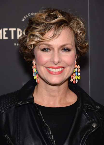 Melora Hardin Short Curls [weinstein company hosts the premiere of ``sing street,sing street,hair,hairstyle,face,eyebrow,blond,chin,forehead,lip,smile,layered hair,arrivals,melora hardin,new york city,the weinstein company,metrograph,premiere]