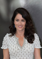 Robin Tunney stuck to a thick and bouncy wave at the photo call for 'The Mentalist' in Monaco.