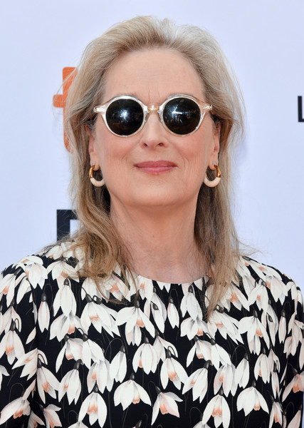 Meryl Streep Medium Straight Cut [the laundromat,eyewear,sunglasses,hair,glasses,lip,hairstyle,cool,vision care,aviator sunglass,blond,meryl streep,toronto,canada,princess of wales theatre,toronto international film festival]