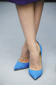 Sara Forestier's shoes may have been classic pumps, but the bright blue color of them was anything but ordinary!
